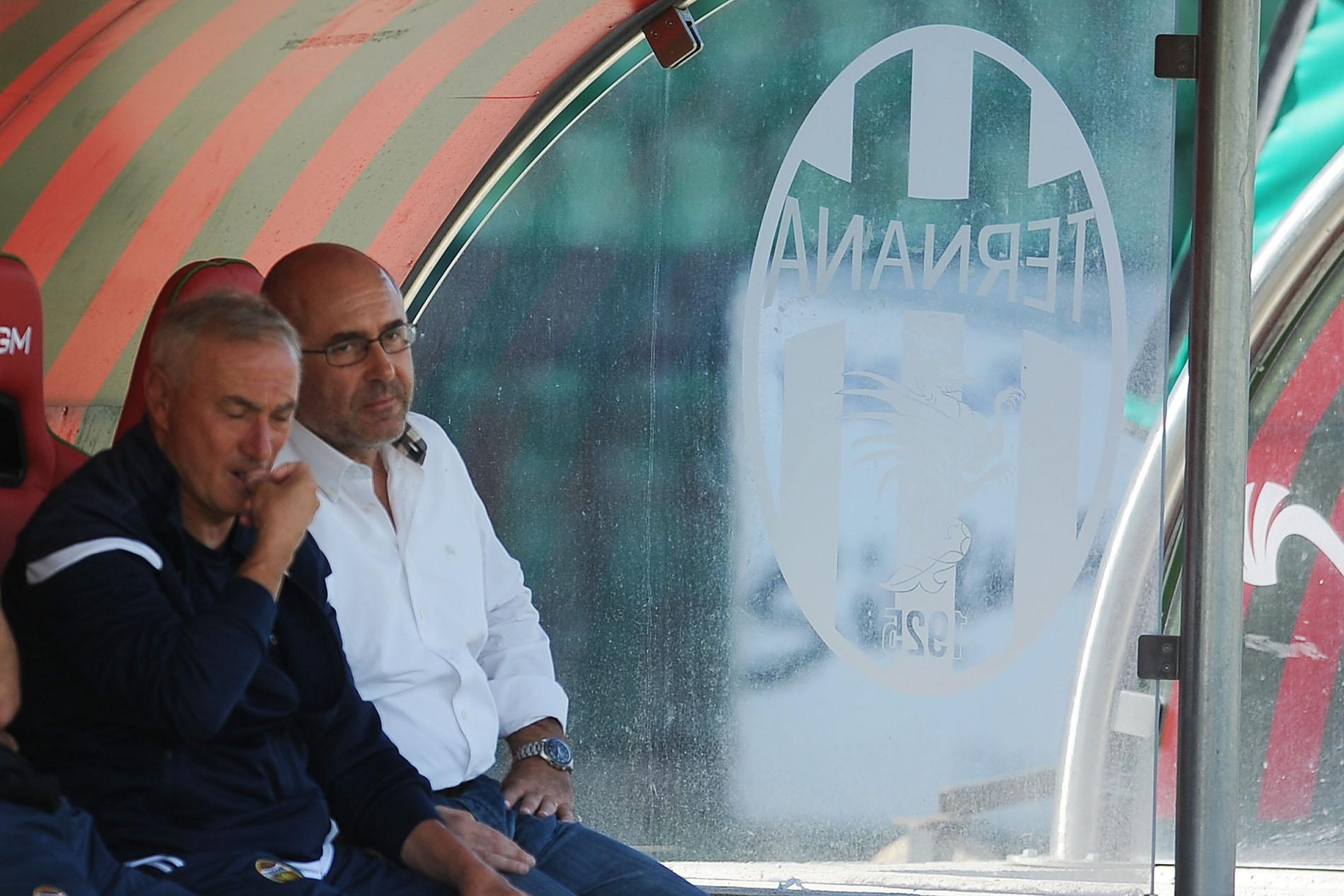 Bandecchi in panchina con a fianco Filippo Orlando, collaboratore tecnico